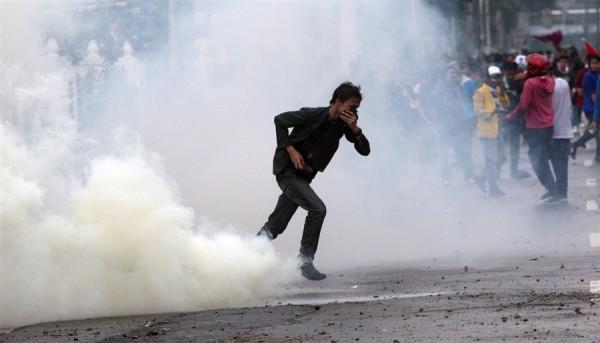 tear gas 3